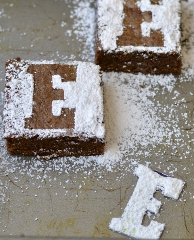 smitten-kitchen-brownies-powdered-sugar-designs-virtually-smitten-kitchen-brownies-l-2da3bf8fbe92cb12.jpg