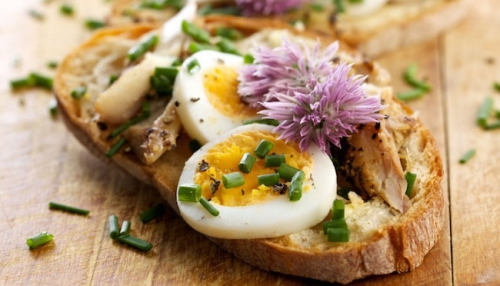 Edible-Flowers-on-Toast1.jpg