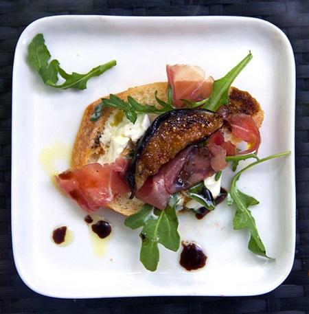 grilled-fig-bread1web.jpg