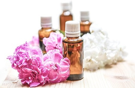 essential-oils-1851027__340.jpg